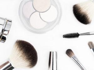Kosmetik-Studio bei Haarscharf - Ihrem Friseur in Trebur