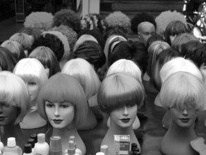 Perücken und Haarteile bei Haarscharf - Ihrem Friseur in Oberthal, Saar